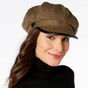 INC Woman Cabbie Cap